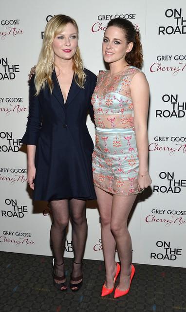 Kirsten Dunst  e Kristen Stewart na première de 'Na Estrada' em Nova York, nos Estados Unidos (Foto: Mike Coppola/ Getty Images/ Agência)