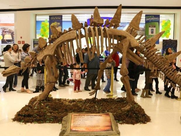 Exposição reúne réplicas de dinossauros em Sorocaba (Foto: Divulgação)