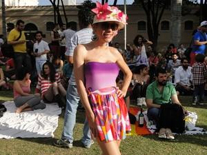 Participante se vestiu de primavera em pelo outono (Foto: Thais Pimentel/G1)