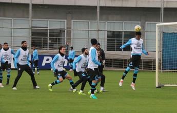Grêmio se reapresenta, e Roger dá atenção à bola aérea defensiva no CT