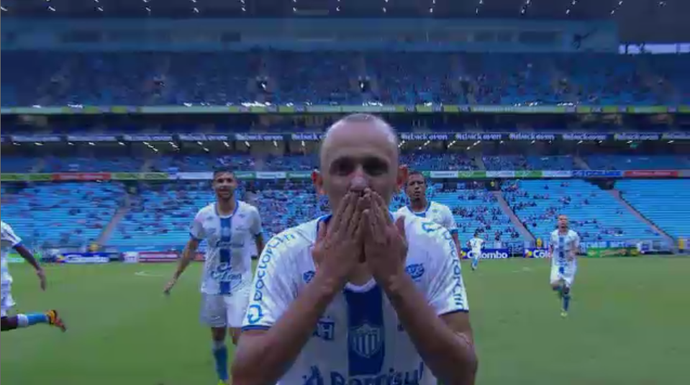 Juninho marca no empate do Novo Hamburgo com Grêmio (Foto: Reprodução)
