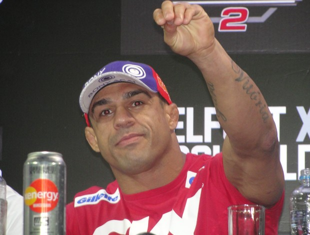 En la conferencia post UFC on FX 8 Vitor Belfort se enoja con pregunta acerca del TRT