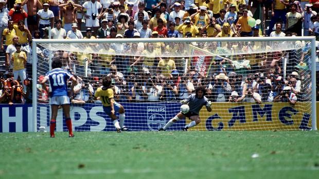 Zico brasil pênalti franca copa do mundo 1986 (Foto: Agência AFP)