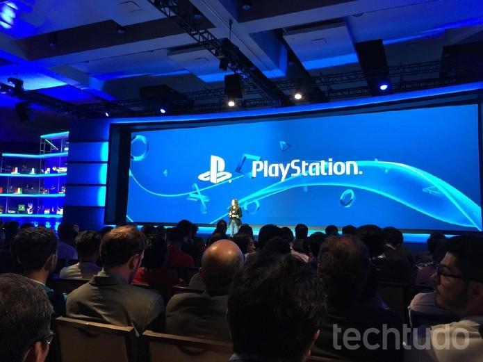 A data de chegada do PS4 brasileiro foi anunciada em junho (Foto: Viviane Werneck/TechTudo)