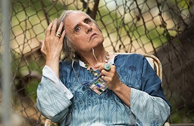 O ator Jeffrey Tambor é o protagonista de 'Transparent'. Na série da Amazon, ele intepreta Morton, um pai de família que se revela transexual e vira Maura (Foto: Divulgação)
