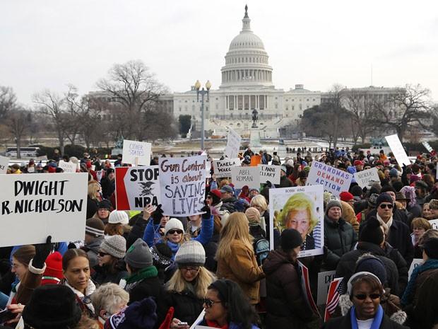 Marcha em Washington pede controle de armas nos EUA (Foto: Reuters)
