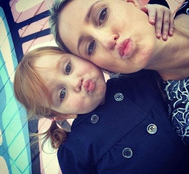 Pixie e a mãe, Roxy Jacenko (Foto: Reprodução/Instagram)