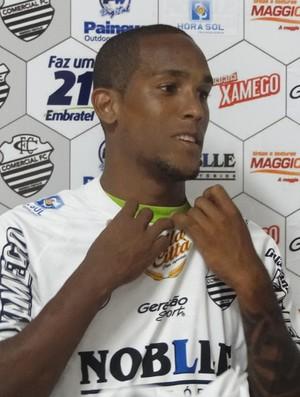 Macena, atacante do Comercial-SP (Foto: João Fagiolo / Globoesporte.com)