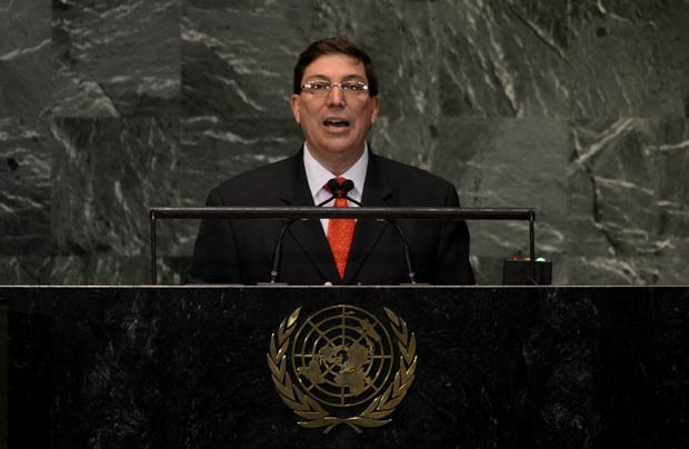O chanceler de Cuba, Bruno Rodríguez, discursa nesta segunda-feira (1º) na Assembleia Geral da ONU (Foto: AFP)