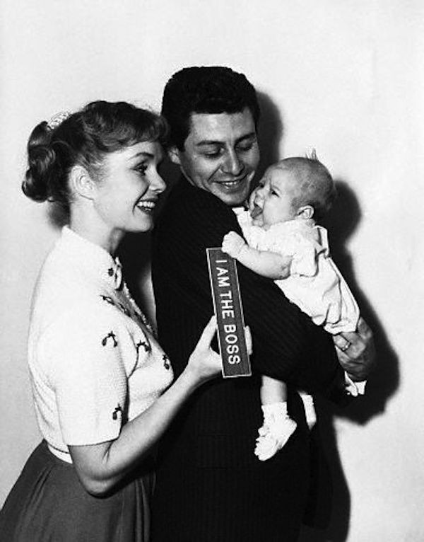 Debbie Reynolds, Carrie Fisher e Eddie Fisher (Foto: Reprodução)