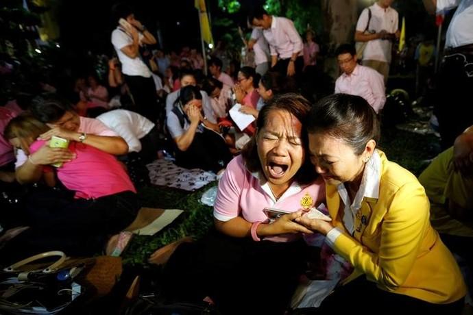 Tailândia - morte do rei (Foto: REUTERS/Chaiwat Subprasom)