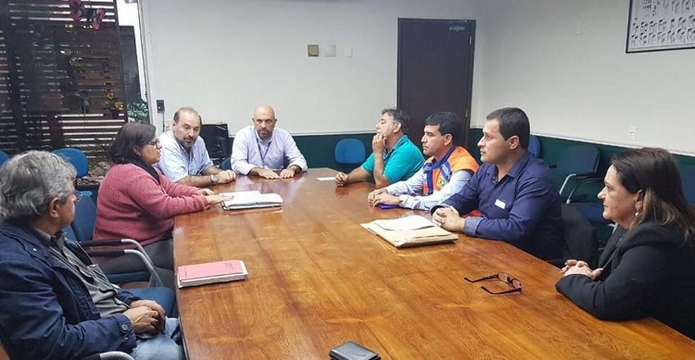 Reunião com representantes do Inea foi realizada nesta quarta-feira (05) (Foto: Divulgação/Prefeitura de São João da Barra)