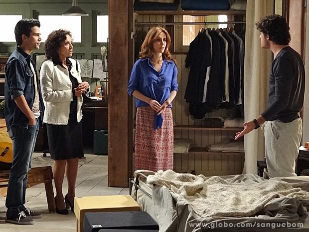 Bento diz a Irene que Fabinho tentou matar ele e a atriz sente o golpe (Foto: Sangue Bom/TV Globo)