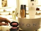 Avon elimina 2,5 mil empregos e anuncia mudança para o Reino Unido