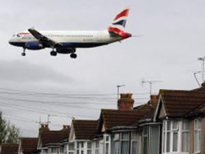 Pesquisa analisou dados de 3,6 milhões de pessoas que vivem no entorno do aeroporto de Heathrow. (Foto: BBC)