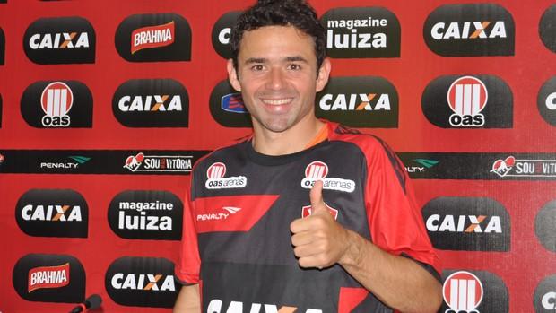 Juan; Vitória (Foto: Divulgação / EC Vitória)