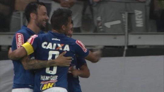 Estreante falha, Arrascaeta marca, e Cruzeiro bate Atlético-MG no Mineirão