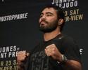 """Rafael Sapo pediu tempo para """"fechar buracos"""" antes de luta pelo UFC 205"""