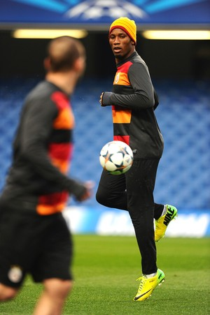 Treino Galatasaray Drogba (Foto: Getty Images)