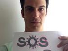 Mateus Solano faz campanha por preservação ambiental em Cabo Frio
