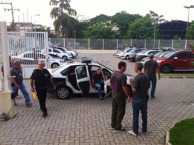 Operação realizada em cidades do Sul do Rio conta com 300 agentes (Foto: Priscila Chagas/TV Rio Sul)