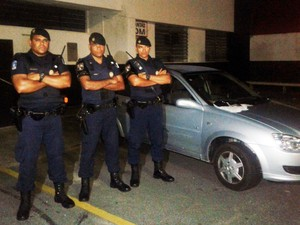GCM de Praia Grande recupera carro roubado 20 minutos após o crime (Foto: Divulgação/GCM de Praia Grande)
