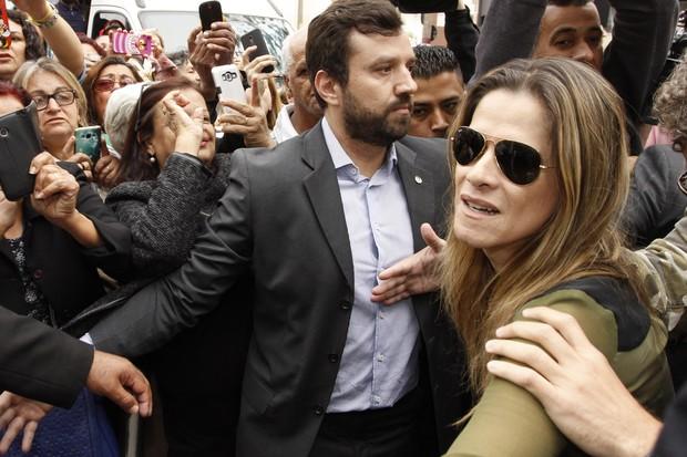 Velório Domingos Montagner - Ingrid Guimarães (Foto: Celso Tavares/ EGO)