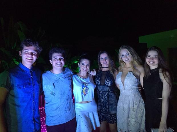 Gabriel Kaufmann, Gabriel e Fátima Montenegro, Marisa Melo, Valentina Bulc e Milena Melo (Foto: C.I Producoes/Divulgação)