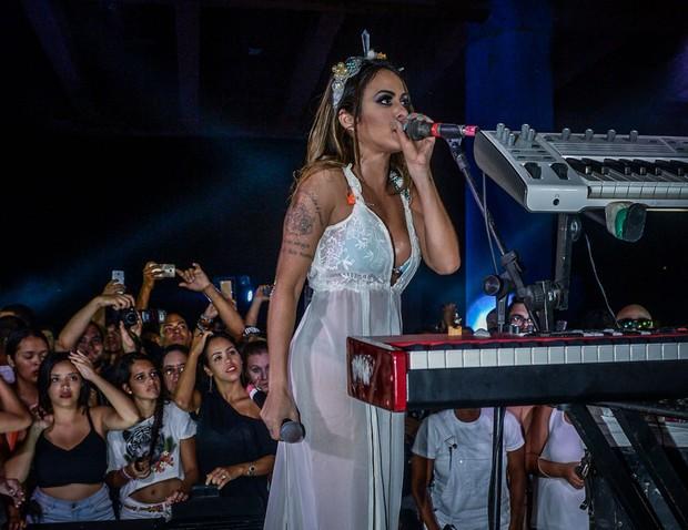 Alinne Rosa (Foto: Francisco Cepeda e Daniel Delmiro/AGNews/SSA)
