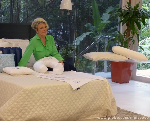 Ana Maria Braga fala sobre travesseiros (Foto: Mais Você / TV Globo)