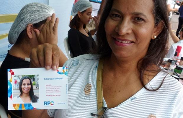 De brinde, a mulherada levou pra casa uma foto impressa na hora para registrar esse momento especial (Foto: Divulgação/RPC)