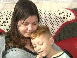 Laís e Luizinho têm a mesma síndrome (Foto: Reprodução / TV TEM)