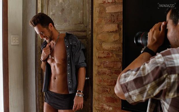 Daniel Manzieri posa para o Paparazzo (Foto: Mari Gibara / Paparazzo)