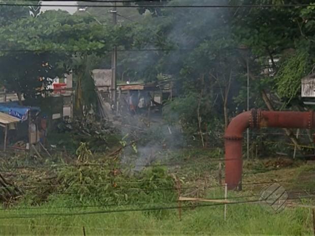 Local de estação de tratamento de esgoto foi invadido. (Foto: Reprodução/TV Liberal)