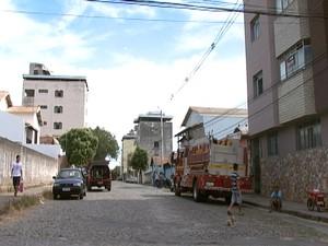Bombeiros estiveram no local durante a tarde (Foto: Reprodução/TV Integração)