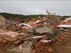 Temporal destelha casas, derruba árvores e rios transbordam em SP