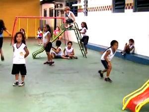 Procon orienta pais na hora da matrícular escolar  (Foto: Reprodução/ TV Gazeta)