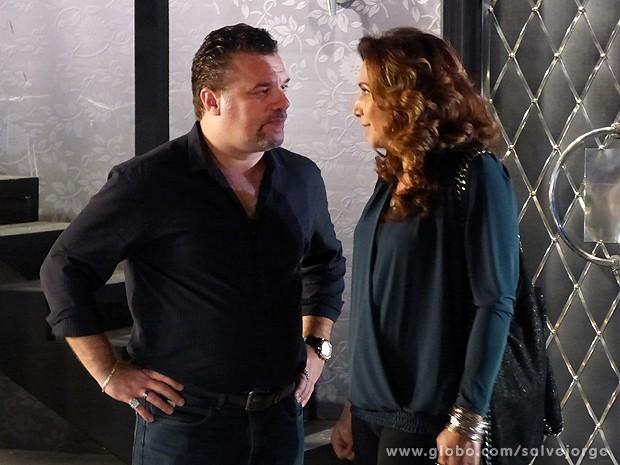 Russo e Wanda armam plano maléfico (Foto: Salve Jorge/TV Globo)