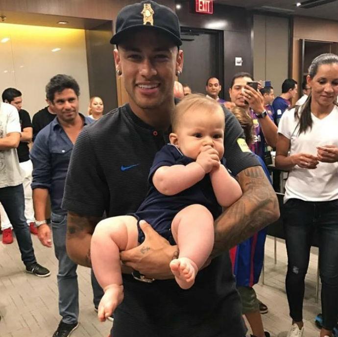 BLOG: Neymar brinca com Junior Cigano e com filho do lutador em Miami