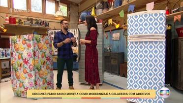 Designer Fábio Basso mostra como modernizar a geladeira com adesivos