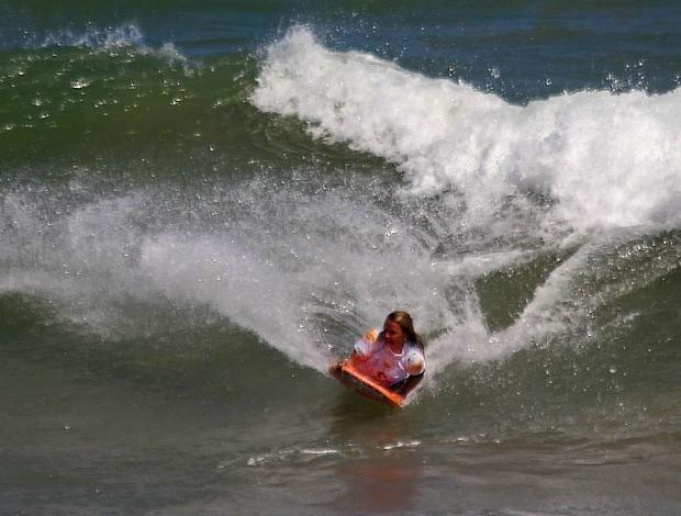Neymara Carvalho, bodyboarder capixaba, Salvador (BA) 2012 (Foto: Fabriciano Jr/Surf Bahia/Divulgação)