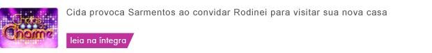 Cida provoca Sarmentos ao convidar Rodinei para visitar sua nova casa  (Foto: Cheias de Charme/TV Globo)