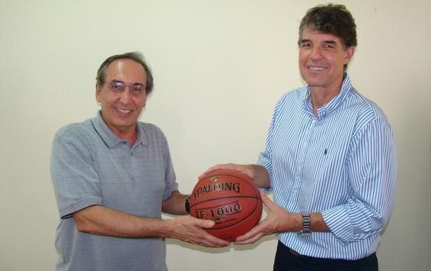 Kouros Monadjemi e Cássio Roque presidente LNB NBB (Foto: Divulgação/LNB)