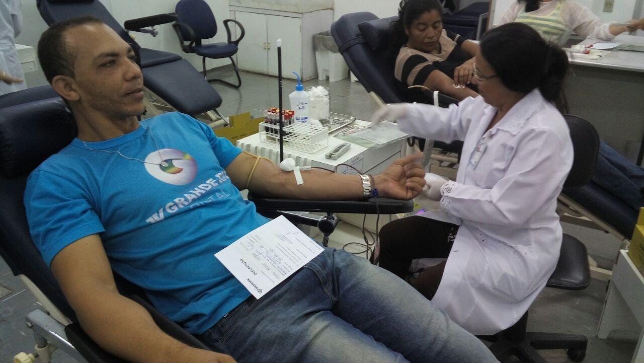 """O auxiliar de cinegrafista, Jader Magalhães, também fez doação de sangue: """"Exemplo a ser seguido"""".  (Foto: Arquivo Pessoal)"""