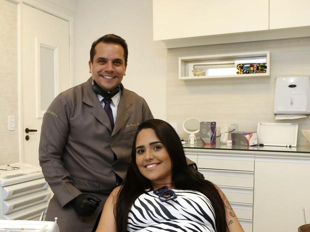 Perlla no consultório dentário (Foto: Dilson Silva / AgNews)