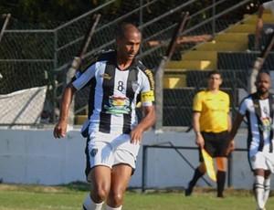 Meia Jeffinho foi o autor de um dos gols da vitória do Atlético-ES sobre o Serra Macaense (Foto: Karen Porto/Atlético-ES)