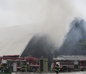 O auditório Simon Bolívar, no Memorial da América Latina, durante incêndio na tarde de sexta-feira (29)  (Foto: EFE)