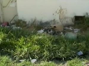 Casa abandonada no bairro Santa Luzia em Petrolina (Foto: Reprodução/ TV Grande Rio)