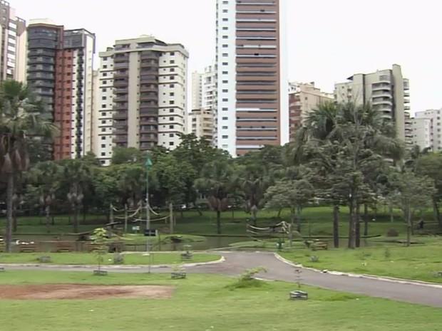 Movimento do parque zoológico foi tranquilo neste fim de semana em Goiânia, Goiás (Foto: Reprodução/TV Anhanguera)