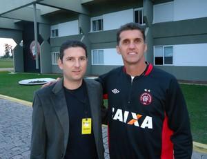 Heder palmonari e Vagner Mancini, técnico do Atlético-PR (Foto: Arquivo Pessoal/Heder Palmonari)